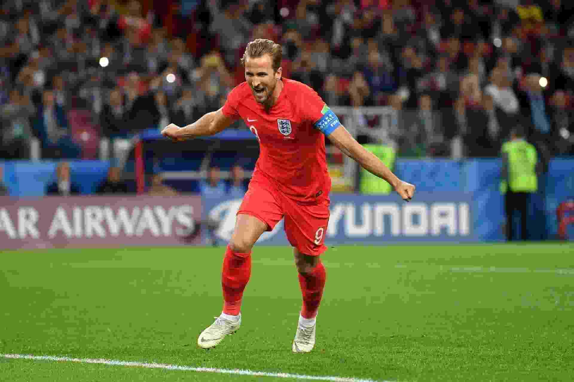 Harry Kane, da Inglaterra, comemora ao abrir o placar para seu time em jogo contra a Colômbia - Dan Mullan/Getty Images