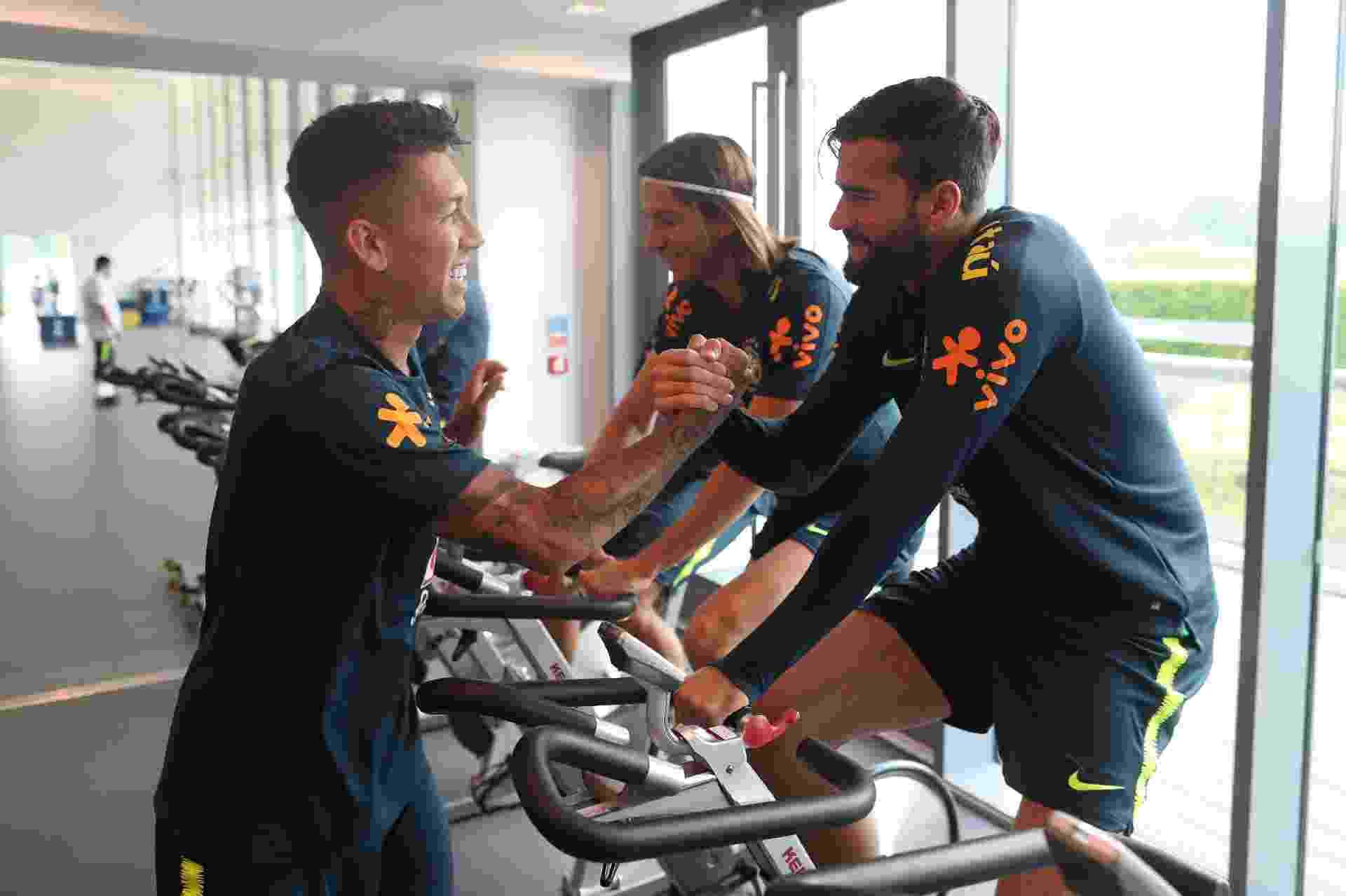 Firmino se junta à seleção brasileira em Londres - Lucas Figueiredo/CBF