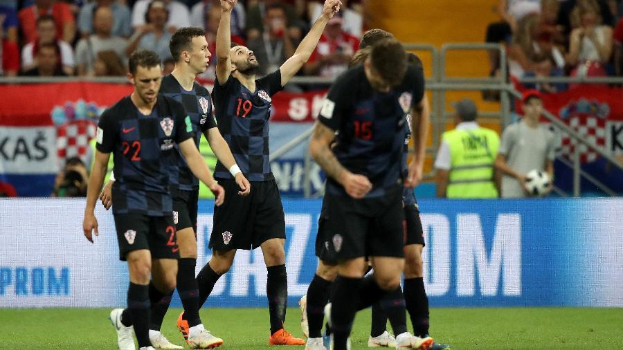 Milan Badelj, da Croácia, comemora o primeiro gol de sua equipe - Clive Mason/Getty Images