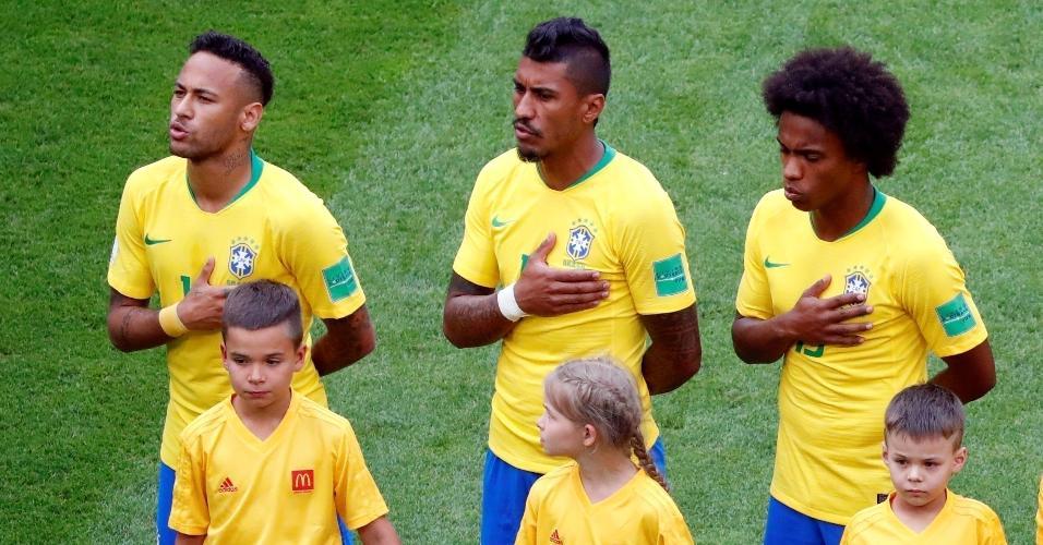 Hino nacional é executado na Arena Samara. Seleção brasileira enfrenta o México