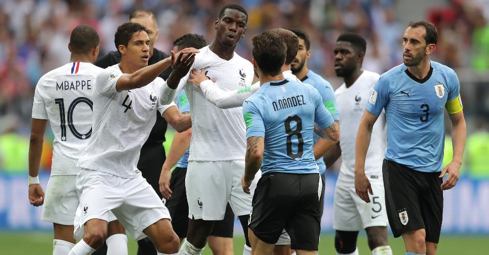 Pogba reclamou de cabeçada dada por Nahitan Nandez