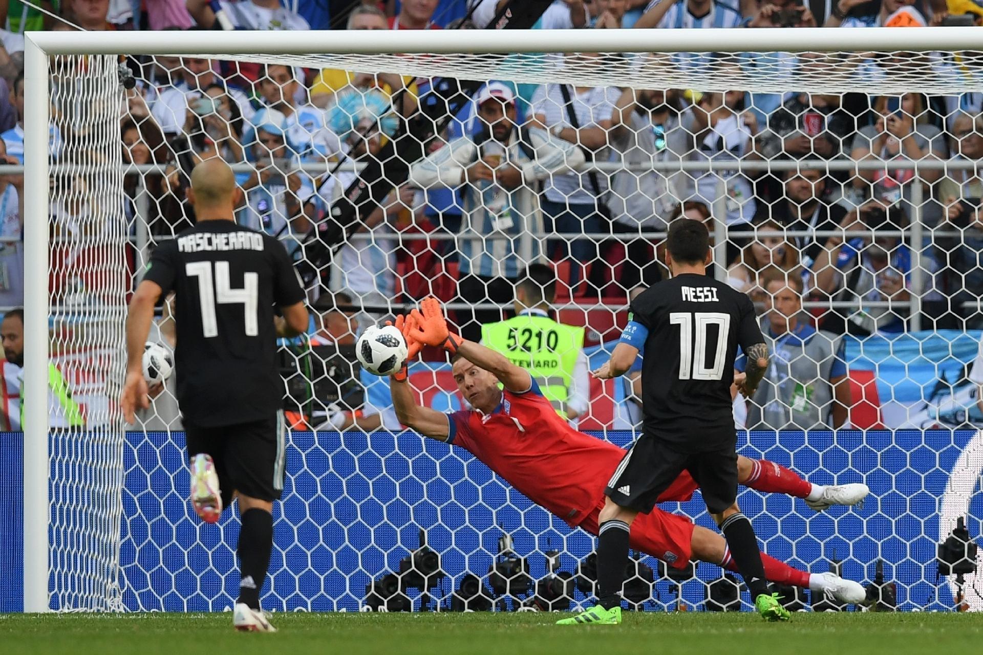 Argentina na Copa 2018  Messi revive