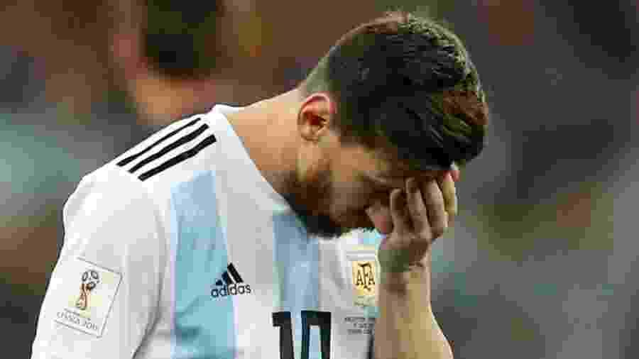 Lionel Messi lamenta passe errado no jogo entre Argentina e Croácia - Ivan Alvarado/Reuters