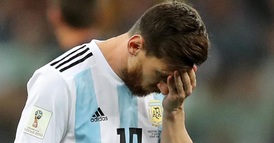 Lionel Messi lamenta passe errado no jogo entre Argentina e Croácia