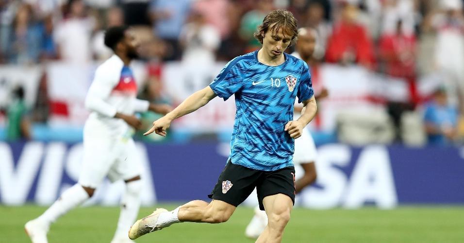 Luka Modric, da Croácia, se aquecendo para a semifinal contra a Inglaterra