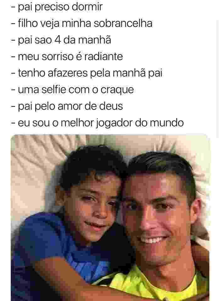 Cristiano Ronaldo e filho Júnior deitados - Reprodução