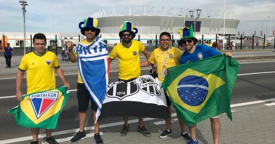 Torcedores começam a chegar ao local da estreia do Brasil