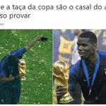 """""""Pogba e a taça da Copa são o casal do ano"""", escrevem internautas - Reprodução/Twitter"""