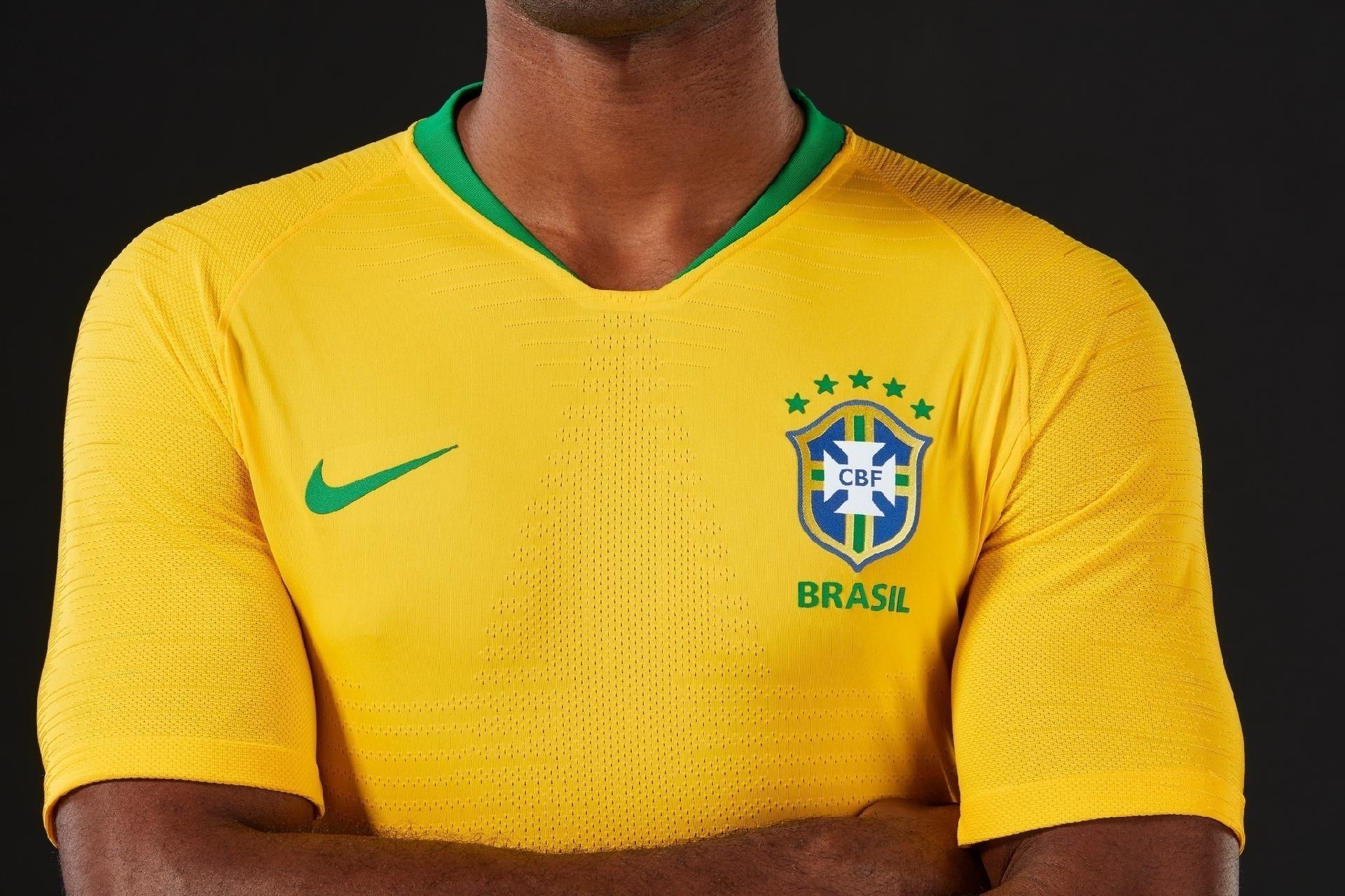 b833b1aed3293 Nike divulga fotos dos uniformes da seleção para a Copa do Mundo de 2018