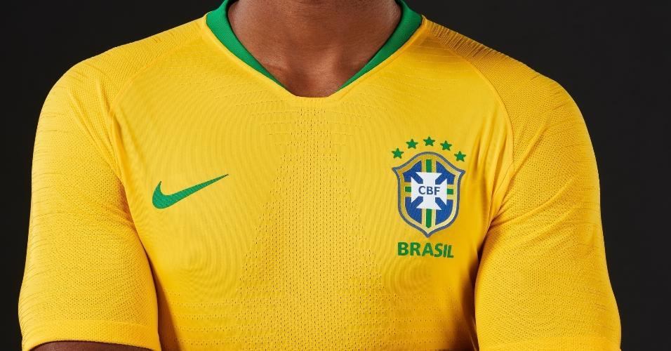Mensagem no WhatsApp com camiseta de graça da seleção brasileira é golpe -  Tecnologia - BOL Notícias 5e5ac54abf6f3