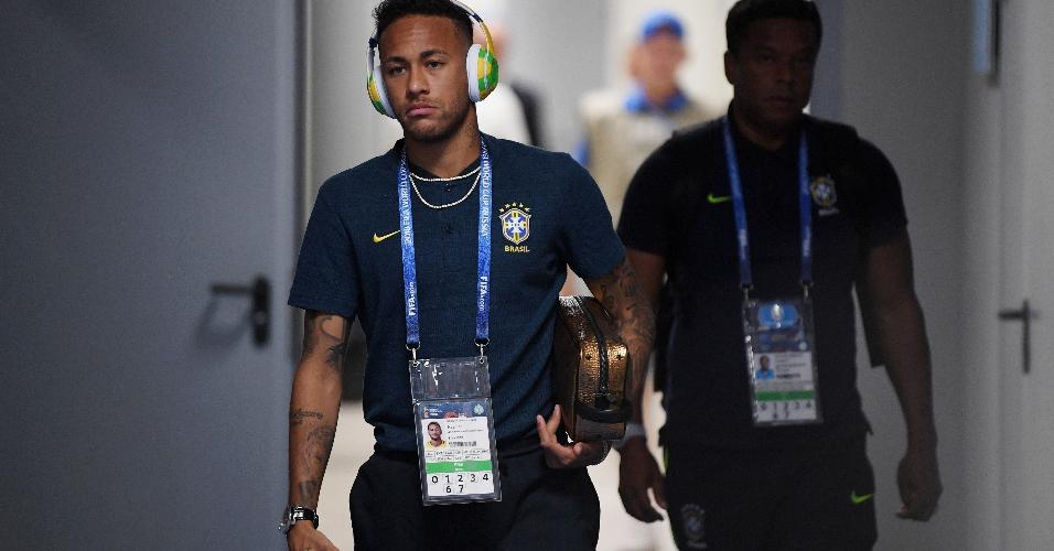 Neymar chega ao estádio em Samara para jogo das oitavas contra o México