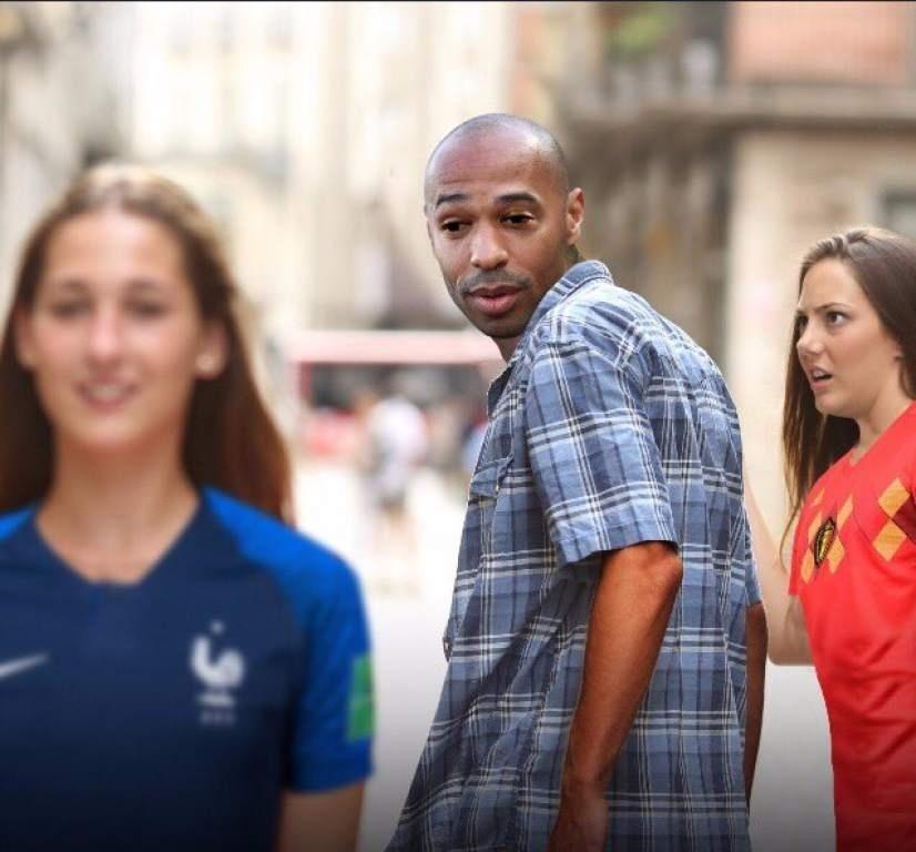 Será que, apesar de eliminado, o Henry curtiu a classificação francesa para a final?