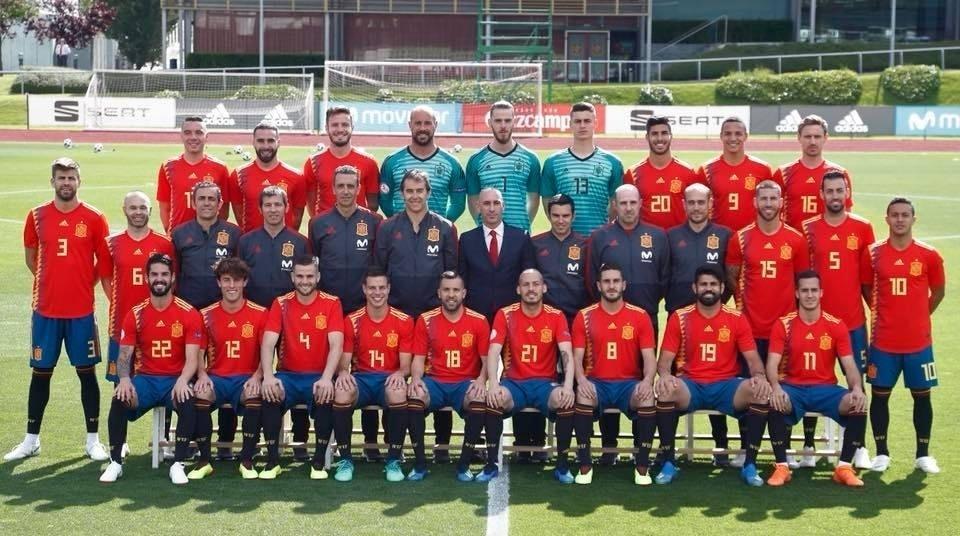 Espanha na Copa 2018  Crise da seleção espanhola reflete tensão política e  rixa Barça x Real - UOL Copa do Mundo 2018 cd728e6d66b85