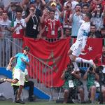 """A torcida do Marrocos gritou """"Messi"""" para provocá-lo, e CR7 respondeu com uma sarrada no ar - Reprodução/Twitter"""