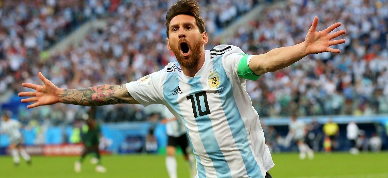 """""""Messi (foto) é incomparável"""", declarou o goleiro francês Lloris a um dia do duelo decisivo na Rússia - Alex Livesey/Getty Images"""