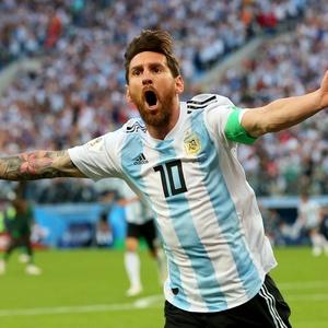 26 de junhoEle chegouBoa notícia para a Copa. Messi mostra seu melhor e é  reverenciado no mundo 705f32908aaac