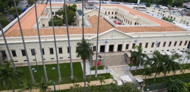 28.out.2015 - Vista aérea da Casa Daros, que encerra suas atividades em dezembro - Armando Paiva/Eleven