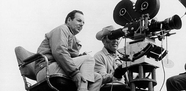 Guy Hamilton em 1968. Diretor foi responsável pela estética dos filmes de James Bond nos anos 1960 e 1970 - Cine Text/Sportsphoto Ltd./Allstar