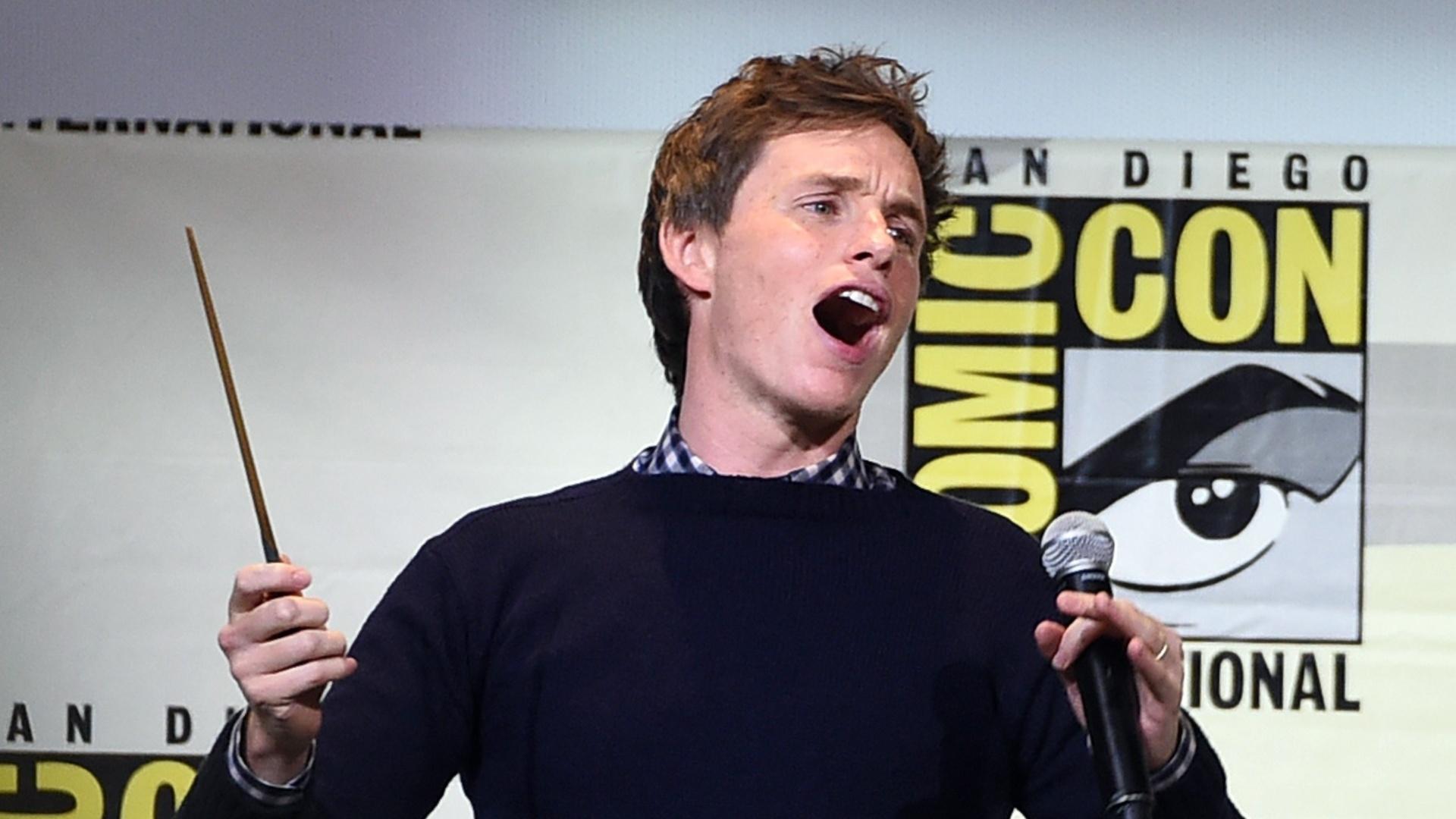 23.jul.2016 - Eddie Redmayne comanda plateia da San Diego Comic-Con durante painel de