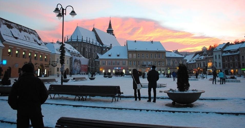 Praça Sfatului, em Brasov, na Romênia