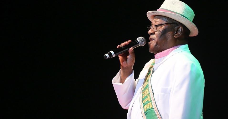 14.fev.2016 - O presidente da Mangueira, Chiquinho da Mangueira, participa do tradicional Show de Verão da escola, no Rio de Janeiro