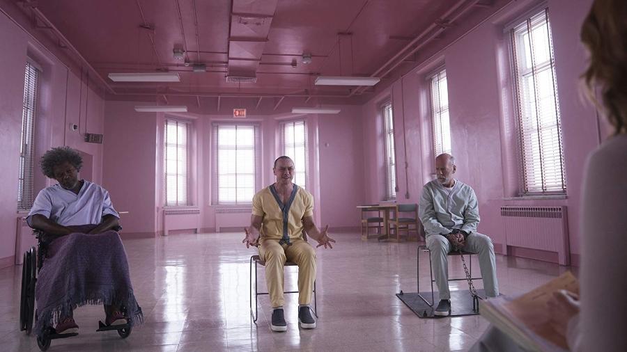 """Samuel L. Jackson, James McAvoy e Bruce Willis em cena de """"Vidro"""" - Divulgação"""