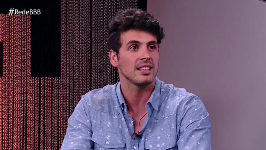 "Maycon é entrevistado no programa online ""RedeBBB"" - Reprodução/GloboPlay"