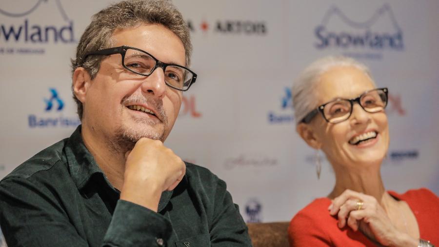 O diretor Kléber Mendonça Filho e a atriz Sônia Braga, de Bacurau, em Gramado - Cleiton Thiele/Agência Pressphoto/Divulgação