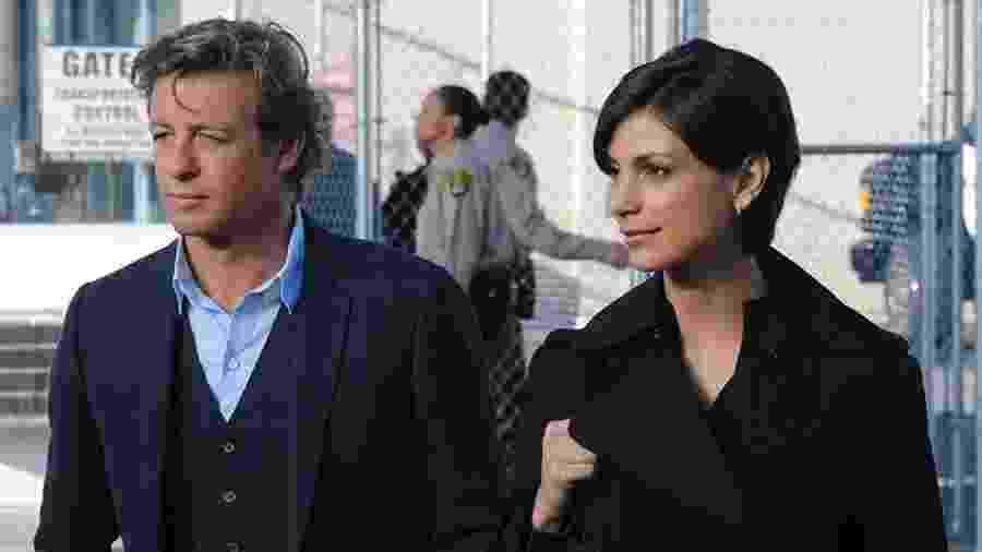 Simon Baker e Morena Baccarin em cena de The Mentalist - Divulgação/IMDb