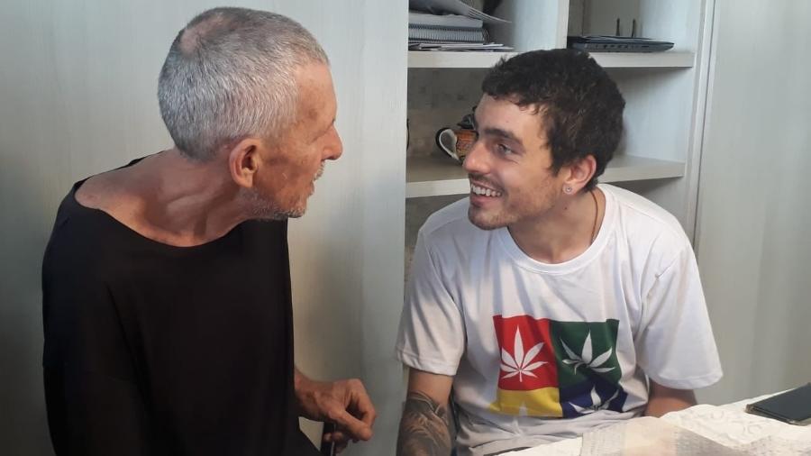 Ivo Suzin e Filipe Suzin podem usar a planta de forma terapêutica  - Pedro Paulo Couto/UOL