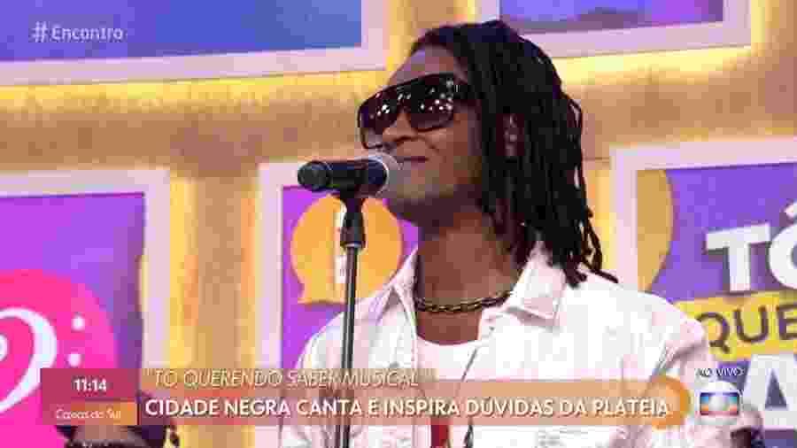 Toni Garrido se apresentou com o Cidade Negra no Encontro com Fátima Bernardes de hoje - Reprodução/TV Globo