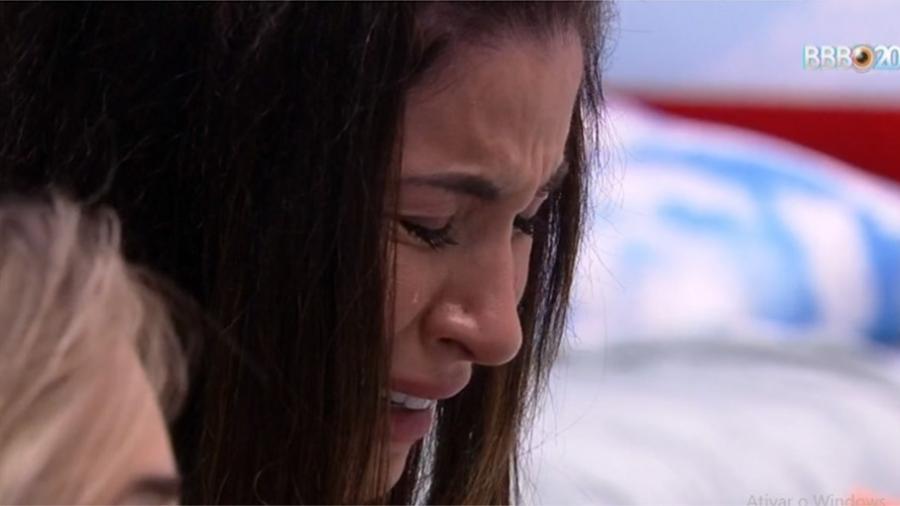 BBB 20 - Bianca chora no quarto - Reprodução/Globoplay