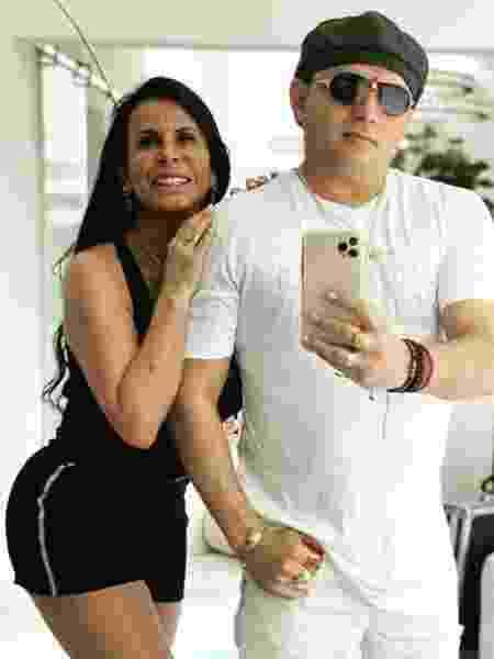 """Gretchen e Esdras de Souza; cantora promete """"casamentão"""" - Reprodução/Instagram"""