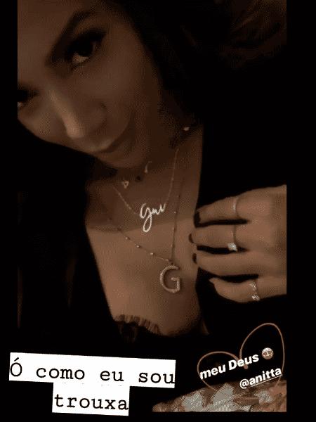 Anitta usa colares com apelido e inicial de Gui Araújo - REPRODUÇÃO/INSTAGRAM