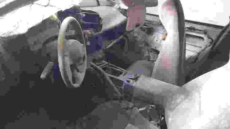 Dener Matheus Galbino Mitubishi Eclipse GS acidente fatal interior - Lucas Cardoso/UOL - Lucas Cardoso/UOL