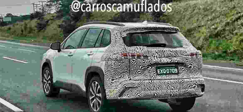 Corolla Cross roda com disfarces em partes importantes do SUV - Reprodução/Instagram - Carros Camuflados