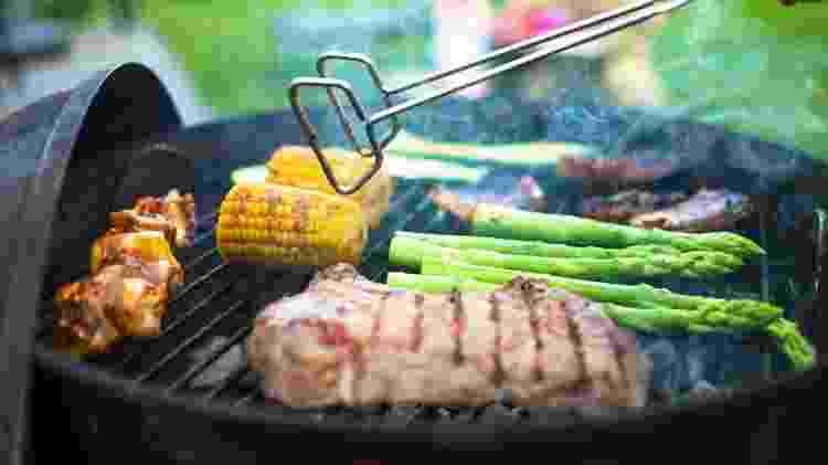 Churrasco variado: um pouco de carne, um pouco de vegetais - Fabian Krause / EyeEm - Fabian Krause / EyeEm