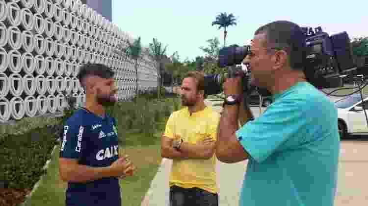 Roger Flores entrevista o craque Diego, do Flamengo - Divulgação - Divulgação