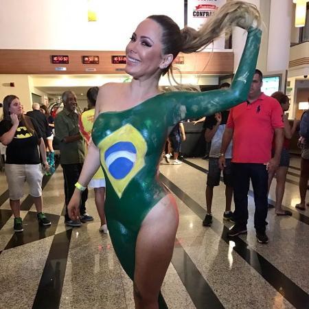 Ju Isen pintada com a bandeira do Brasil foi destaque na cobertura da emissora - Divulgação