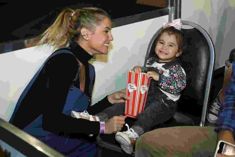 Deborah Secco com a filha, Maria Flor, no Disney On Ice - Roberto Filho / Brazil News