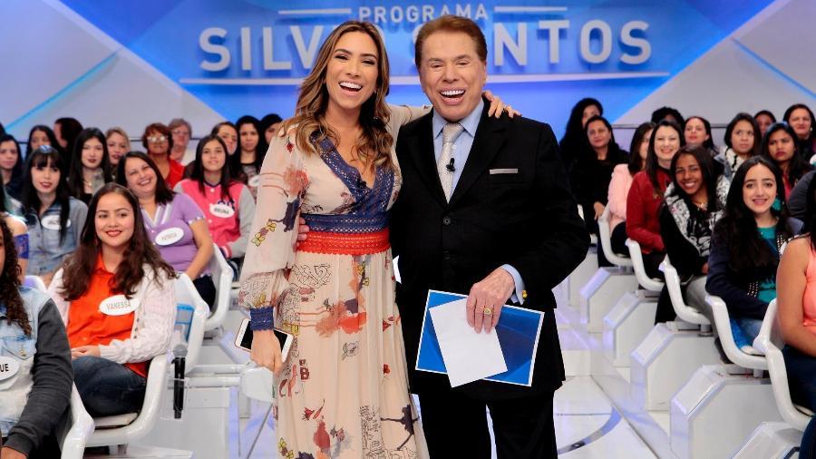 """Patricia Abravanel anuncia gravidez e posa com o pai no """"Programa Silvio Santos"""" - Lourival Ribeiro/SBT"""
