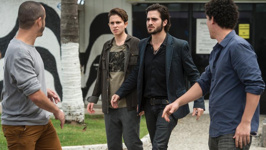 """Ruy (Fiuk) defende Ivana (Carol Duarte) em """"A Força do Querer"""" - Estevam Avellar/TV Globo"""