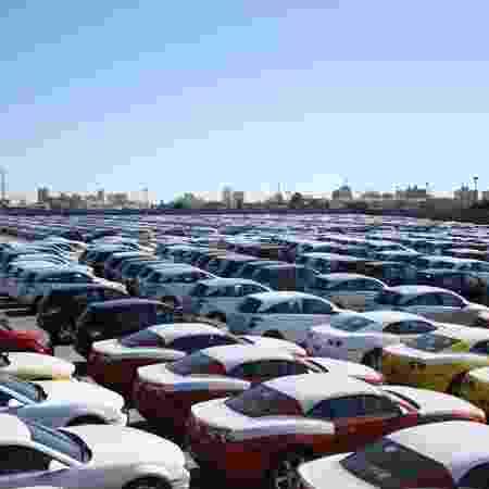 Pátio do porto de Rio Grande (RS) lotado de carros importados - Marcio Gandra/Agência RBS/Folhapress