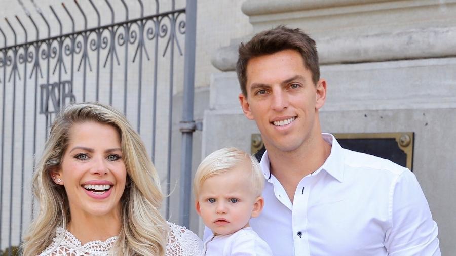 Karina Bacchi e o noivo Amaury Nunes celebram o batizado do pequeno Enrico - Manuela Scarpa/Brazil News