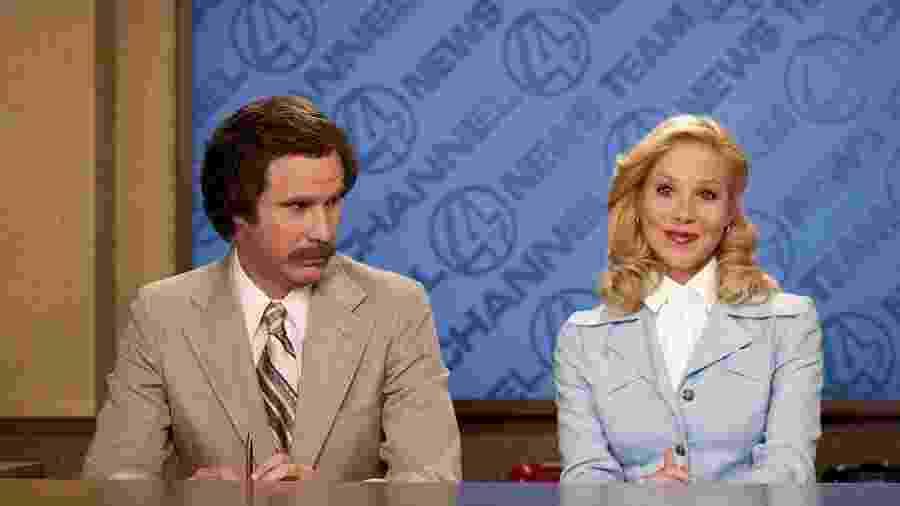 """Christina Applegate e Will Ferrell em """"O Âncora: A Lenda de Ron Burgundy"""" - Reprodução"""
