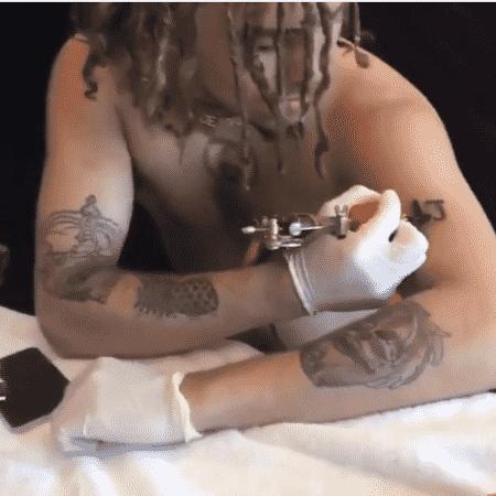 Lil Pump faz tatuagem em homenagem a XXXTentacion no próprio braço  - Reprodução/Instagram