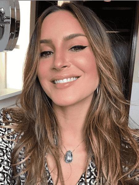 """Claudia Leitte posa sorridente, mas confessa """"estava enjoada"""" - Reprodução/Instagram"""