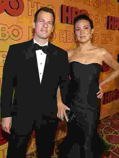 Jonathan Nolan e Lisa Joy em evento do Emmy 2017 - Divulgação/IMDb