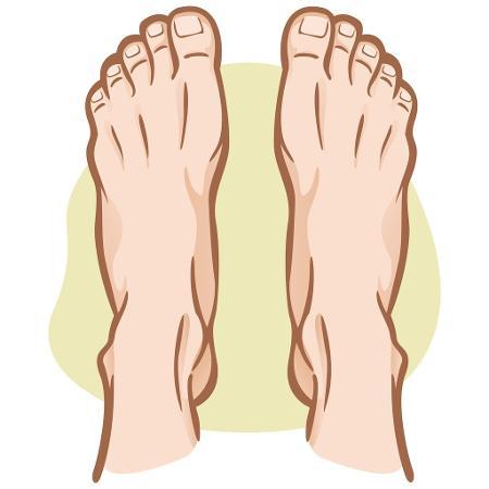 Não secar os pés corretamente após o banho favorece o surgimento da frieira - iStock