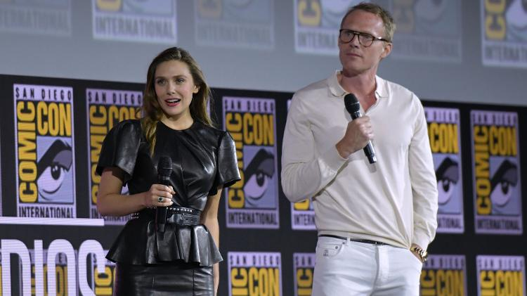 Elizabeth Olsen e Paul Bettany durante painel da Marvel, na San Diego Comic-Con - Chris Delmas/AFP